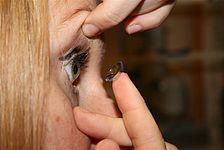 Individuelle Kontaktlinsenanpassung